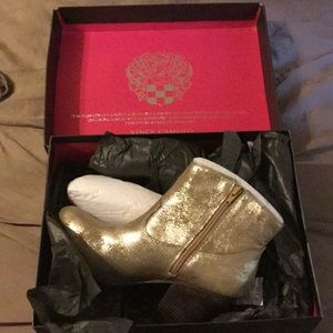 Vince Camuto Hammerton Ankle Boots (Golden Brown)